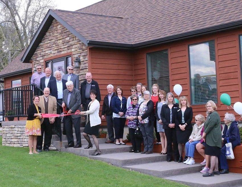 Photo of the branch ribbon cutting